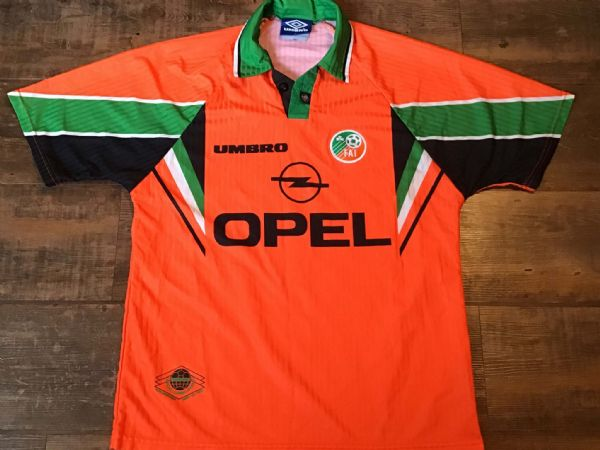1997 1998 Republic of Ireland Away Football Shirt  Medium